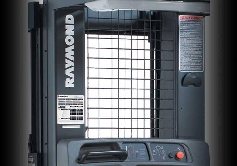 Raymond 5200 Orderpicker Truck Clear View Mast