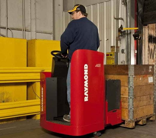 Raymond 8900 Riding Pallet Truck programmable performance feature