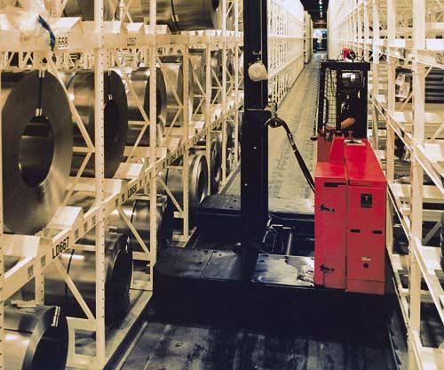 Raymond Sideloader Rail Guided Long Load Forklift