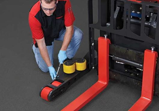 Raymond Reach Trucks easy load wheel change