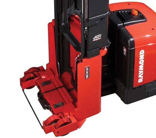 Raymond 9800 Swing-Reach Truck