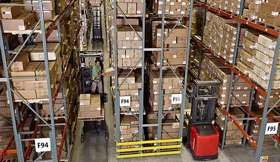 Raymond 5000 Series Order picker truck intellispeed feature